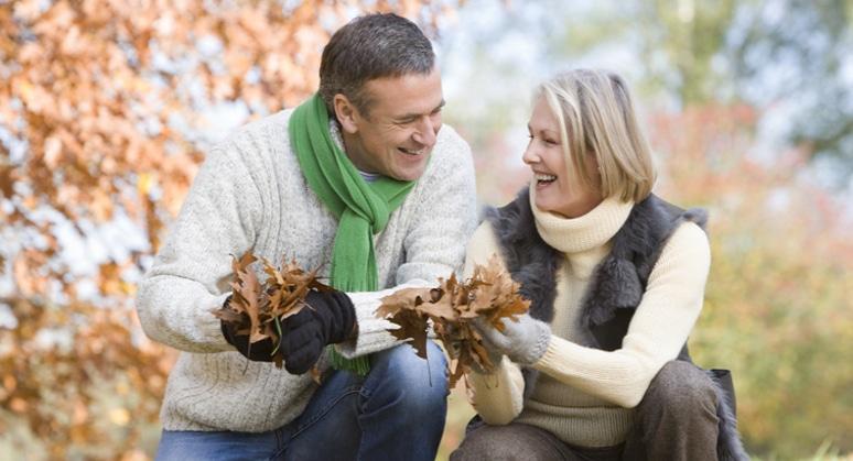 5 motivi per cui gli incontri over 50 sono meglio di quelli a 20 anni