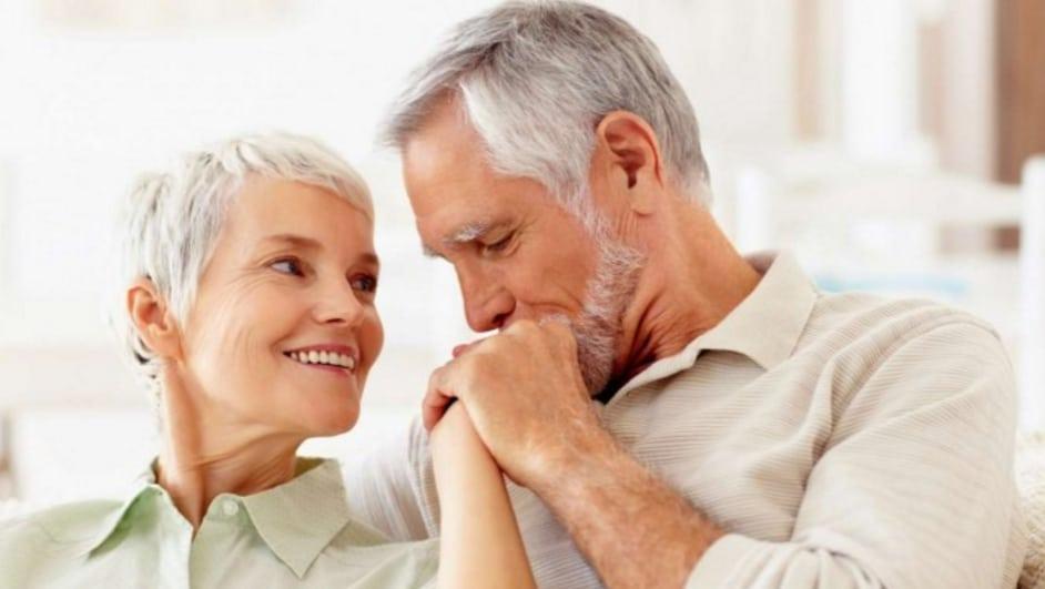 Incontri over 50: 10 suggerimenti che le donne single dovrebbero sapere